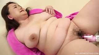 Chubby Japanese first time taped when acting all slutty