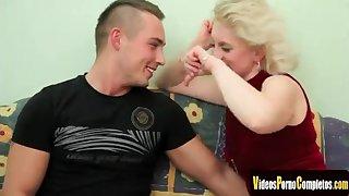 Mature Blond Hair Infant Babe Enjoys Procurement Fucke