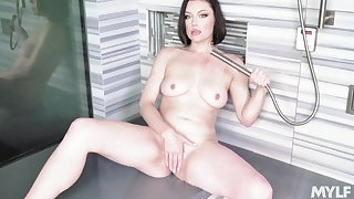 Sovereign Syre's wet together with arousing solo in an upscale shower